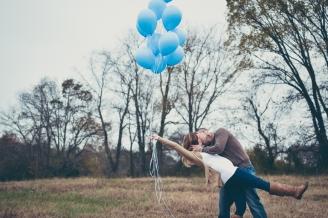 baby-boy-balloon-gender-reveal